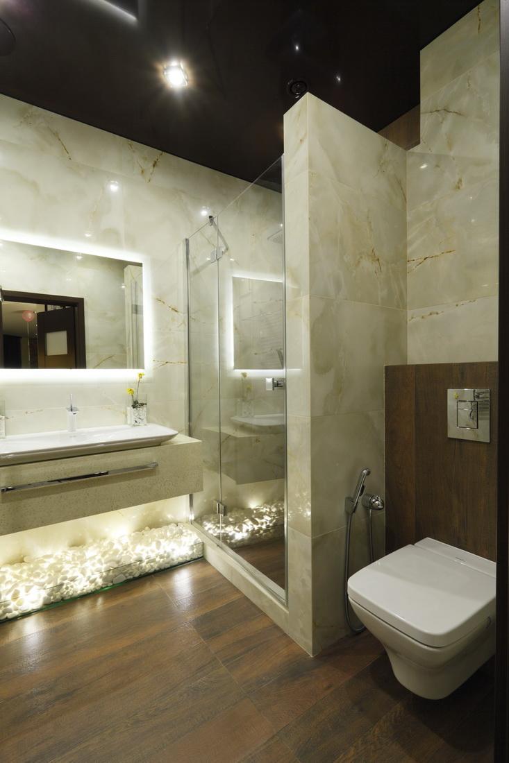 Дизайн ванной с отделкой под дерево